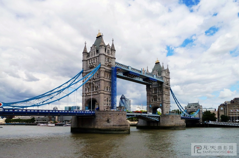 塔桥简笔画; 7月25日,热气球飞过晨曦中的英国伦敦