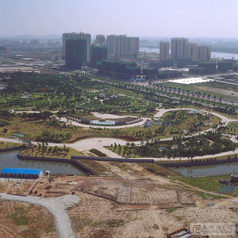 珠江公园花城大道一侧