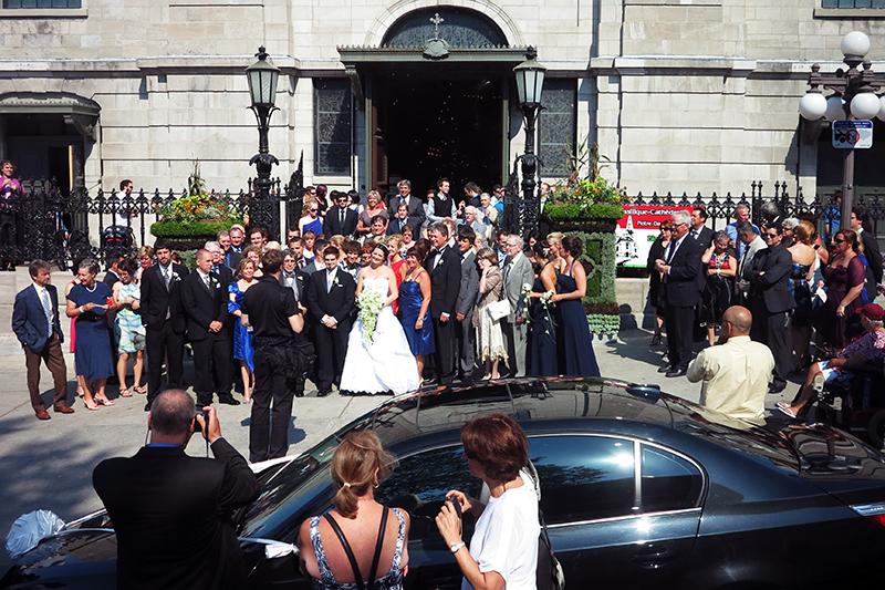 教堂、婚礼、亲友、花车